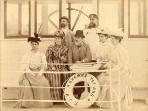 Константин Федорович и Ольга Александровна Ралль  с дочерями